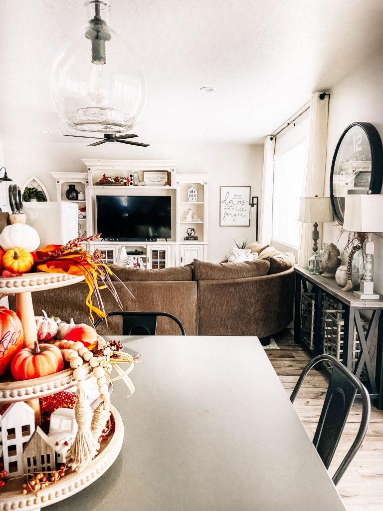 open concept thanksgiving home decor